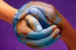 Dłonie mapą naszego ciała – masaż punktów energetycznych dłoni