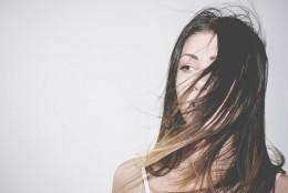 Oliwa – sposób na regenerację Twoich włosów
