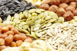 Dlaczego warto jeść pestki i nasiona