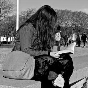 woman-reading-4