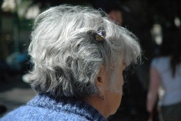 Dlaczego włosy siwieją?
