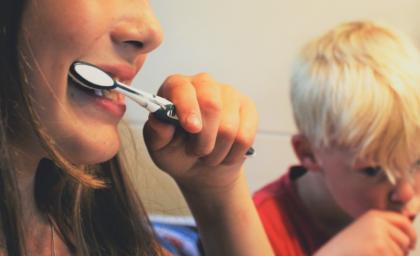Pierwsze mycie zębów dziecka